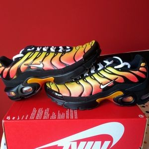 Nike Air Max Plus Orange Sunset Yellow